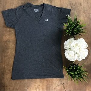 Under Armour Grey Athletic T-Shirt (Size XS)
